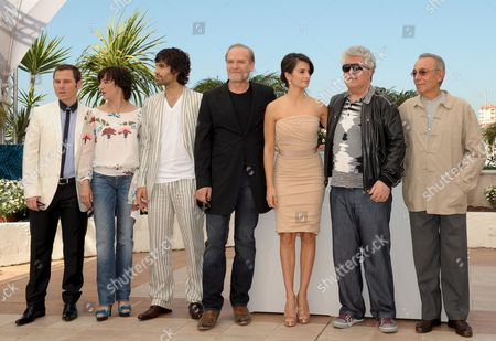 L-r Spanish Actor Ruben Ochandiano Spanish Actress Blanca Portillo Spanish Actor Tamar Novas Spanish Actor Lluis Homar Spanish Actress Penelope Cruz Spanish Director Pedro Almodovar and Spanish Actor Jose Luis Gomez Attend the Photocall For the Film 'Broken Embraces' Running in Competition in the 62nd Edition of the Cannes Film Festival in Cannes France 18 May 2009