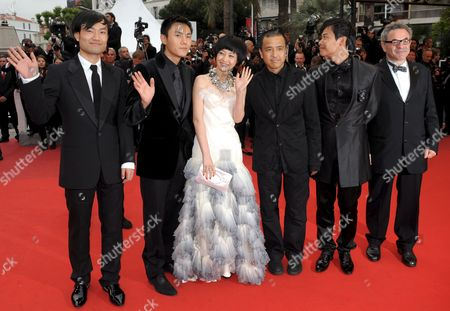 2nd R-l Chinese Actor Chen Sicheng Director Lou Ye Actress Tan Zhuo Actor Qin Hao and Actor Wu Wei Arrive For the Gala Screening of the Chinese Film 'Chun Feng Zui De Ye Wan' (spring Fever) by Lou Ye Running in Competition For the 62nd Edition of the Cannes Film Festival in Cannes France 14 May 2009