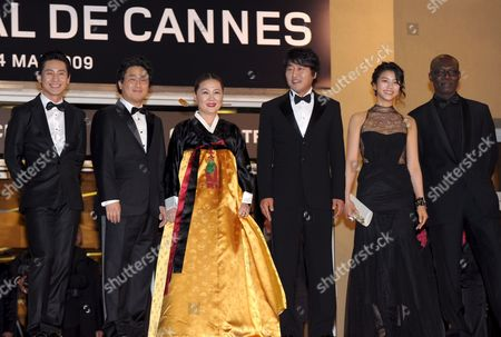 Director Chan-wook Park South Korean Actors Kim Ok-vin Kim Hae-sook Shin Ha-kyun Song Kang-ho and Eriq Ebouaney Arrive For the Gala Screening of the South Korean/american Film 'Bak-jwi' (thirst) by Park Chan-wook Running in Competition For the 62nd Edition of the Cannes Film Festival in Cannes France 15 May 2009