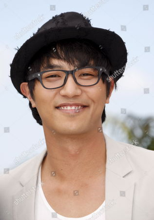Korean Actor Jin Goo Attends a Photocall For the South Korean Film 'Mother' by Bong Joon-ho Running in the 'Un Certain Regard Category' During the 62nd Edition of the Cannes Film Festival in Cannes France 16 May 2009