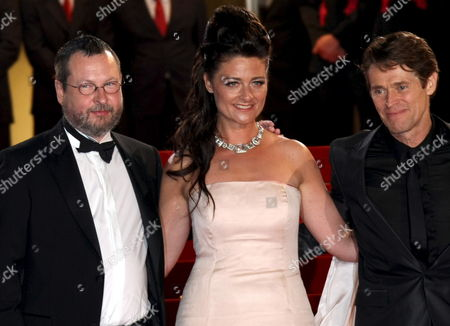 L-r Director Lars Von Trier and His Wife Bente Froge and Actor Willen Dafoe Arrive For the Gala Screening of the Film 'Antichrist' by Lars Von Trier Running in Competition in the 62nd Edition of the Cannes Film Festival in Cannes France 18 May 2009