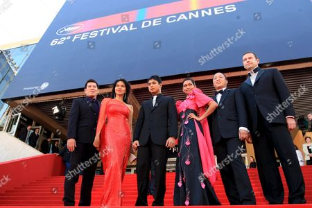 L-r Director Brillante Mendoza Actors Mercedes Cabral Coco Martin Maria Isabel Lopez and Producers Ferdinand Lapuz and Didier Costet Arrive For the Gala Screening of Their Film 'Kinatay' During the 62nd Edition of the Cannes Film Festival in Cannes France 16 May 2009