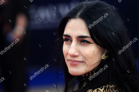Israeli Actress Ronit Elkabetz Poses For Photographers On the Red Carpet As She Arrives For the Screening of the Opening Film 'The Time Traveller's Wife' During the 35th Deauville American Film Festival 04 September 2009 in Deauville France the Movie by German Director Robert Schwentke is Presented out of Competition at the Festival Running From 04 to 13 September