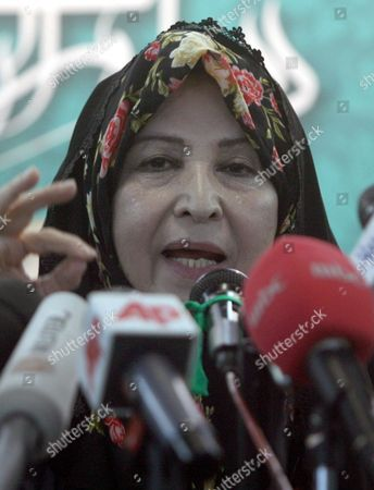 Zahra Rahnavard Wife of Iranian Presidential Hopeful Mir-hossein Mousavi Speaks During a Press Conference in Tehran Iran 7 June 2009 Rahnavard was Accused by Iranian President Mahmoud Ahmadinejad of Exposing Herself As Phd Graduate Although She Had No Doctorate Rahnavard a Renowned Woman Activist and University Professor Said That the President Should Either Apologize Or She Would Sue Him in Court Moussavi is the Main Challenger of Ahmadinejad and Accused the President to Have in the Last Four Years Humiliated the Iranians Before the World Iran (islamic Republic Of) Tehran