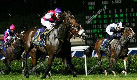 Editorial picture of Singapore Horse Racing - May 2005