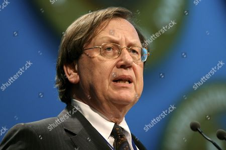 Governor of the Bank of Netherlands Nout Wellink Addresses the Meeting of Boards of Governors at the International Monetary Fund (imf) and World Bank Annual Meetings in Singapore Tuesday 19 September 2006 Singapore Singapore