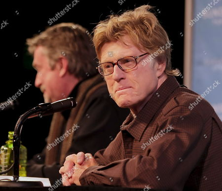 Us Actor Robert Redford (r) Founder of Sundance and Geoffrey Gilmore (l) Director of the Festival Talks at the Opening Press Conference of the 2009 Sundance Film Festival in Park City Utah Usa 15 January 2009 This is the 25th Anniversary of the Festival Which Starts Today and Runs Through January 25