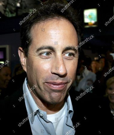 Us Actor Jerry Seinfeld Arrives to Promote the Upcoming 'Bee Movie' of Steve Hickner and Simon J Smith at the Emagine Theatre in Novi Michigan Usa 01 October 2007 'Bee Movie' is a Computer-animated Film Starring the Voice of Seinfeld Who Also Was Co- Writer of the Script As Barry B Benson a Bee Who Wants More out of Life Than Simple Hive Work