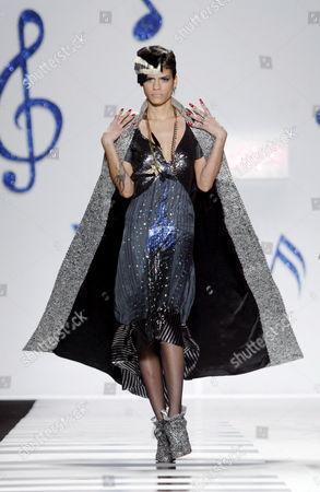 Editorial photo of Usa Fashion - Feb 2006