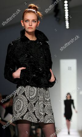 Super Model Lydia Hurst Walks Down the Runway During the Atil Kutoglu Show at the 2007 Mercedes Benz Fashion Week in New York Saturday 03 February 2007