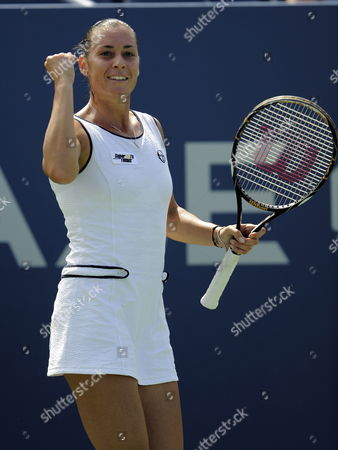 Flavia Pannetta of Italy Reacts to a Shot Against Aleksandra Wozniak of Canda During the Fifth Day of the 2009 Us Open Tennis Championship at the Usta National Tennis Center in Flushing Meadows New York Usa 04 September 2009 the Open Runs Through Sunday 13 September 2009