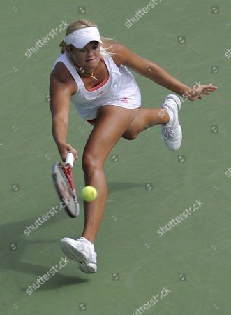 Aleksandra Wozniak of Canda7hits a Return Against Flavia Pannetta of Italy During the Fifth Day of the 2009 Us Open Tennis Championship at the Usta National Tennis Center in Flushing Meadows New York Usa 04 September 2009 the Open Runs Through Sunday 13 September 2009