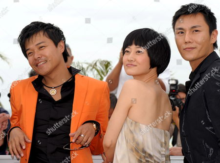 L-r Actors Chen Sicheng Tan Zhuo and Qin Hao Attend a Photocall For the Chinese Film 'Chun Feng Zui De Ye Wan' (spring Fever) by Lou Ye Running in Competition For the 62nd Edition of the Cannes Film Festival in Cannes France 14 May 2009