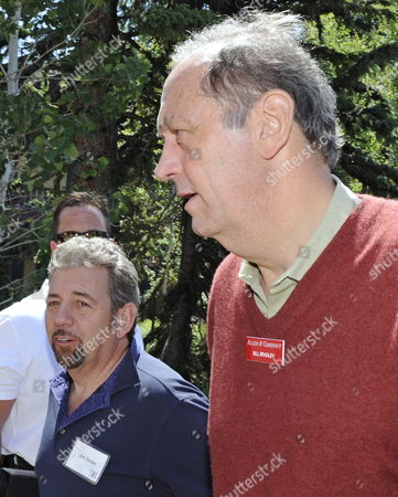 Bill Bradley Former New York Knick and New Jersey Senator (r) and Jim Dolan Chairman of Cablevision Systems Attends the Fourth Day of Allen and Company's 27th Annual Media and Technology Conference in Sun Valley Idaho Usa July 10 2009