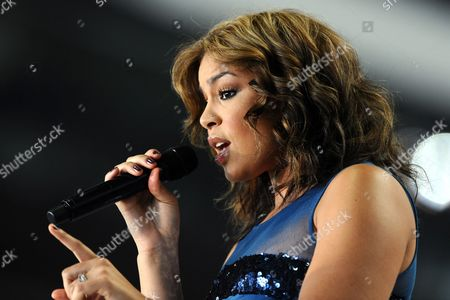 Us Singer-songwriter Jordan Sparks Sings During a News Event by the North Texas Host to Super Bowl at Cowboys Stadium in Arlington Texas Usa 21 September 2009 Super Bowl Xlv (45) Will Be Played at Cowboys Stadium in Arlington Texas On February 6 2011