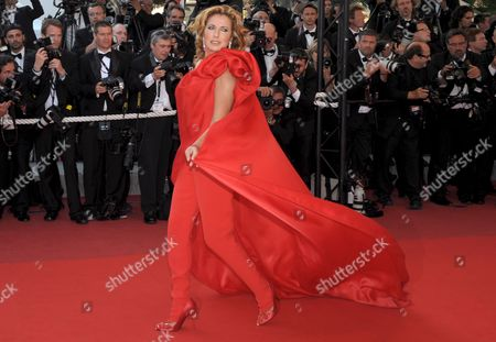 Belgian Actress Natacha Amal Arrives For the Gala Screening of the Film 'Broken Embraces' by Pedro Almodovar Running in Competition in the 62nd Edition of the Cannes Film Festival in Cannes France 19 May 2009