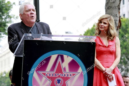 Us Actress Kyra Sedgwick (r) with 'The Closer' Cast Member Us Television and Film Actor G W Bailey As She Receives the 2 384th Star On the Hollywood Walk of Fame Los Angeles California Usa On 08 June 2009 Bacon's Star is Next to Hers Kyra Sedgwick Was Born in New York in 1965 and Grew Up in Manhattan She Made Her Professional Acting Debut at the Age of 16 On the Soap Opera 'Another World '