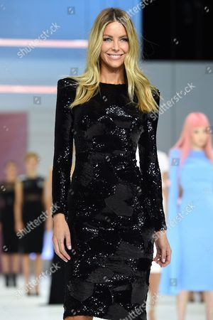 Australian Model Jennifer Hawkins (c) Presents a Creation by Australian Fashion Designer Alex Perry During the Media Dress Rehearsal For the Myer Spring 16 Fashion Launch in Sydney Australia 23 August 2016