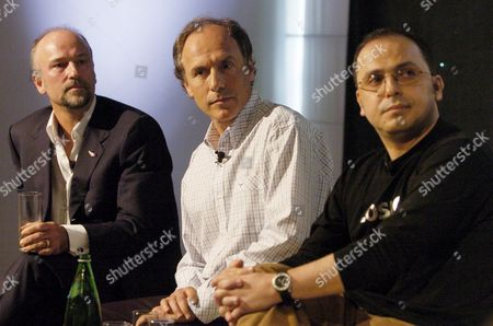 Australia's First Private Astronauts (l-r) Vrigin Blue's Ceo Brett Godfrey Alan Finkel and Wilson Da Silva in Sydney Tuesday 13 December 2005 Richard Branson's Space Travel Venture Known As Virgin Galactic Will Take Passengers Into Space at a Cost of $200 000