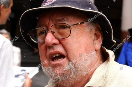 Booker Prize Winning Australian Author Thomas Keneally and Other Members of Pen Demonstrate and Hold a Hunger Strike Outside the Department of Immigration Offices Thursday 02 December 2004 Calling On the Release of Detained Refugee Sarath Amarasinghe From Baxter Dentention Centre International Pen the Worldwide Association of Writers Was Founded in 1921 to Promote Friendship and Intellectual Cooperation Among Writers