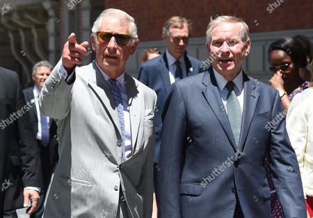 Britain's Prince Charles (r) the Prince of Wales and West Australian Premier Colin Barnett (r) Visit the State Treasury Buildings in Perth Australia 15 November 2015 the Royal Couple is in Australia On a Six-day Tour