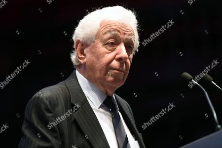Australian-israeli Businessman and Chairman of Westfield Corporation and Scentre Group Frank Lowy Delivers His Retirement Speech to Shareholders During the Scentre Annual General Meeting in Sydney Australia 05 May 2016 Lowy Retired From the Scentre Group On 05 May