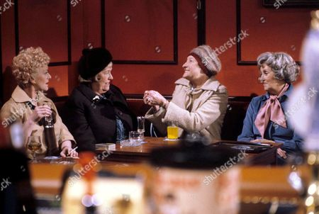 'You're Only Young Twice' Dolly Love [Lally Bowers], Flora Petty [Peggy Mount], Cisse Lupin [Pat Coombs], Mildred Fanshaw [Diana King]