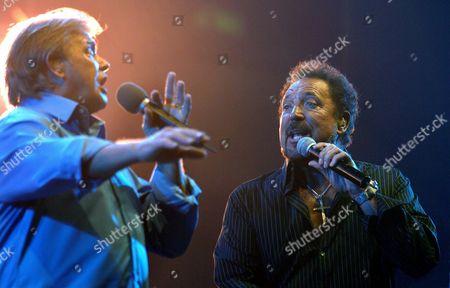 John Farnham (l) and Tom Jones Rehearse at the Brisbane Entertainment Centre Australia On Tuesday 08 February 2005 Ahead of Tomorrow Night's Concert Which Kicks Off Their National Tour