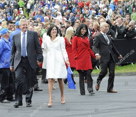 European Ryder Cup Team Captain Colin Montgomerie (l) His Wife Gaynor (2nd L) and Usa Team Captain Corey Pavin (r) and His Wife Lisa (2nd R) Leave the Opening Ceremony at Celtic Manor Golf Course in Newport Wales Britain 30 September 2010 the Ryder Cup 2010 Starts on October 01 and Finishes on October 03 United Kingdom Newport
