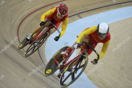 Guo Shuang of China (l) and Lin Junhong of China Compete During the Women's Sprint Final of Cycling Track Event at the Guangzhou 2010 Asian Games at Guangzhou Velodrome of Guangzhou City Southern China's Guangdong Province 17 November 2010 China Guangzhou