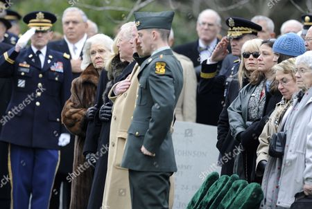 Patricia Haig Widow of Former Secretary of State and Retired Army General Alexander Haig and Her Family During Her Husband's Full Honors Funeral at Arlington National Cemetery in Arlington Virginia Usa 02 March 2010 Haig was a United States Army General who Served As the United States Secretary of State Under President Ronald Reagan and White House Chief of Staff Under Presidents Richard Nixon and Gerald Ford He Also Served As Vice Chief of Staff of the Army the Second-highest Ranking Officer in the Army and As Supreme Allied Commander Europe Commanding All U S and Nato Forces in Europe United States Arlington