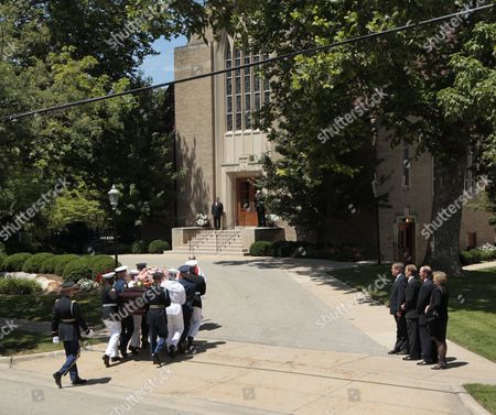 The Children of Late Us First Lady Betty Ford Jack (l) Michael (2-l) Steven (2-r) and Susan Ford (r) Watch Her Casket Arrive For Her Funeral at Grace Episcopal Church in Grand Rapids Michigan Usa on 14 July 2011 She Will Be Interned Next to Her Husband Former Us President Gerald Ford at His Presidential Museum in Grand Rapids United States Grand Rapids