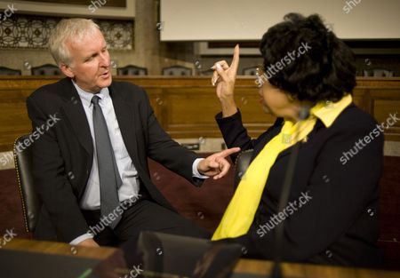 Director and Environmentalist James Cameron Talks with Democratic Congresswoman From California Diane Watson Prior to Participating in a Panel Discussion on Global Environmental Policies on Capitol Hill in Washington Dc Usa 15 April 2010 Also Participating was Actress Sigourney Weaver who Discussed Sustainable Approaches to Keeping the Earth From Suffering the Fate Depicted in the His Film Avatar United States Washington