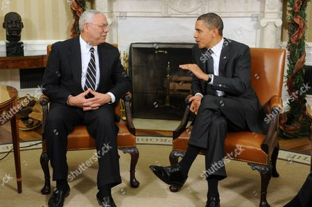 Us President Barack Obama (r) Meets with Former Us Chairman of the Joint Chiefs of Staff General Colin Powell (l) in the Oval Office of the White House in Washington Dc Usa 01 December 2010 Obama Met with Powell to Discuss Issues Ranging From Importance of Ratifying the New Start Treaty to Education and Efforts to Reduce the High School Drop-out Rate United States Washington
