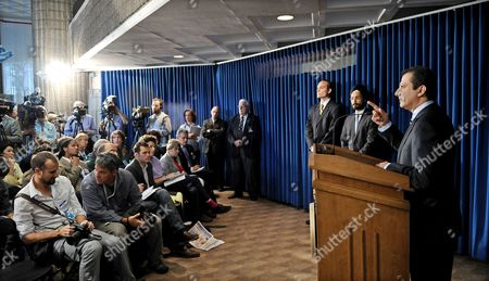 Manhattan United States Attorney Preet Bharara (r) Speaks During a Press Conference where He Discussed the Extradition and Indictment of Alleged Arms Dealer Viktor Bout in New York New York Usa on 17 November 2010 Bout who was Arrested in 2008 was Extradited From Thailand to the United States Yesterday United States New York