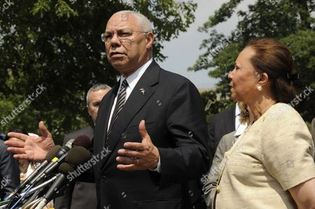 Former Us Secretary of State General Colin Powell (l) Delivers Remarks to Members of the News Media Beside His Wife Alma Powell (r) Following a Meeting with Business Leaders and Obama Administration Officials on Ways to Improve Education and the Us Workforce at the White House in Washington Dc Usa 18 July 2011 United States Washington