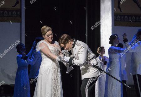 Sophie Bevan as Sophie von Fanimal, Alice Coote as Octavian