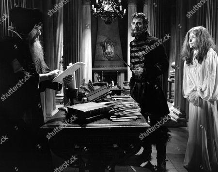 'Countess Dracula'  Film - 1971 - Captain Dobi (Nigel Green), Countess Elizabeth (Ingrid Pitt)