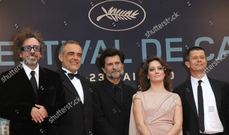 (l-r) President of the Jury Us Director Tim Burton Arrives Jury Members Alberto Barbera Victor Erice Giovanna Mezzogiorno and Emmanuel Carrere For the Screening of the Movie 'Robin Hood' and the Opening Ceremony of the 63rd Cannes Film Festival in Cannes France 12 May 2010 the Movie by English Director Ridley Scott is Presented out of Competition at the Cannes Film Festival 2010 Running From 12 to 23 May France Cannes