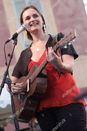 Us Singer Madeleine Peyroux Performs on Stage During the Nice Jazz Festival Nice France 20 July 2009 the Festival Runs From 18 Through 25 July France Nice