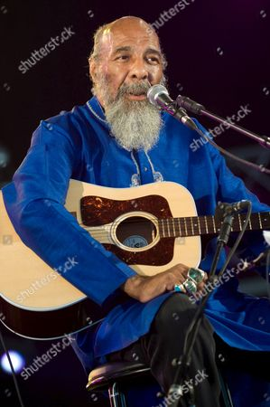 U S Folk Singer and Guitarist Richie Havens Performs at the Solidays Music Festival on the Outskirts of Paris France 6 July 2008 Havens is Best Known For His Powerful Performance of 'Freedom' at the Woodstock Festival in 1969 the Annual Solidays Festival Which is Aimed at Raising Funds For the Fight Against Aids Celebrates Its 10th Anniversary This Year France Paris