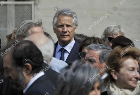 Former French Prime Minister Dominique De Villepin (c) Attends a Ceremony in Homage of Spanish Writer Intellectual and Former Culture Minister Jorge Semprun in Paris France on 11 June 2011 Semprun who Went Into Exile in France Leaving Spain with His Family After the Spanish Civil War Died on 07 June 2011 at His Home in Paris at the Age of 87 Semprun's Funeral Will Be Held Sunday 12 June 2011 As a Close Family Affair in Garantreville Near Paris France Paris