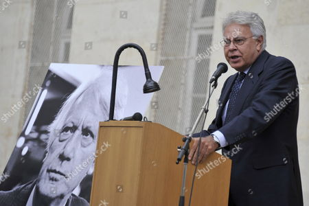 Former Spanish Socialist Prime Minister Felipe Gonzalez Delivers a Speech During a Ceremony in Homage of Spanish Writer Intellectual and Former Culture Minister Jorge Semprun in Paris France on 11 June 2011 Semprun (seen on a Portrait L) who Went Into Exile in France Leaving Spain with His Family After the Spanish Civil War Died on 07 June 2011 at His Home in Paris at the Age of 87 Semprun's Funeral Will Be Held Sunday 12 June 2011 As a Close Family Affair in Garantreville Near Paris France Paris