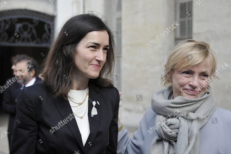 Spanish Culture Minister Angeles Gonzalez-sinde (l) and Dominique Semprun (r) Daughter of Late Author Jorge Semprun Stand Together During a Ceremony in Homage of Spanish Writer Intellectual and Former Culture Minister Jorge Semprun in Paris France on 11 June 2011 Semprun who Went Into Exile in France Leaving Spain with His Family After the Spanish Civil War Died on 07 June 2011 at His Home in Paris at the Age of 87 Semprun's Funeral Will Be Held Sunday 12 June 2011 As a Close Family Affair in Garantreville Near Paris France Paris