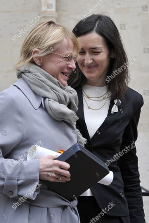 Spanish Culture Minister Angeles Gonzalez-sinde (r) and Dominique Semprun (l) Daughter of Late Author Jorge Semprun Stand Together During a Ceremony in Homage of Spanish Writer Intellectual and Former Culture Minister Jorge Semprun in Paris France on 11 June 2011 Semprun who Went Into Exile in France Leaving Spain with His Family After the Spanish Civil War Died on 07 June 2011 at His Home in Paris at the Age of 87 Semprun's Funeral Will Be Held Sunday 12 June 2011 As a Close Family Affair in Garantreville Near Paris France Paris