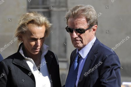 Former Foreign Minister Bernard Kouchner (r) and His Wife French Journalist Christine Ockrent (l) Attend a Ceremony in Homage of Spanish Writer Intellectual and Former Culture Minister Jorge Semprun in Paris France on 11 June 2011 Semprun who Went Into Exile in France Leaving Spain with His Family After the Spanish Civil War Died on 07 June 2011 at His Home in Paris at the Age of 87 Semprun's Funeral Will Be Held Sunday 12 June 2011 As a Close Family Affair in Garantreville Near Paris France Paris