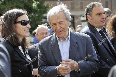 French Movie Director Costa Gavras (r) Speaks with Spanish Minister of Culture Angeles Gonzalez-sinde During a Ceremony in Homage of Spanish Writer Intellectual and Former Culture Minister Jorge Semprun in Paris France on 11 June 2011 Semprun who Went Into Exile in France Leaving Spain with His Family After the Spanish Civil War Died on 07 June 2011 at His Home in Paris at the Age of 87 Semprun's Funeral Will Be Held Sunday 12 June 2011 As a Close Family Affair in Garantreville Near Paris France Paris