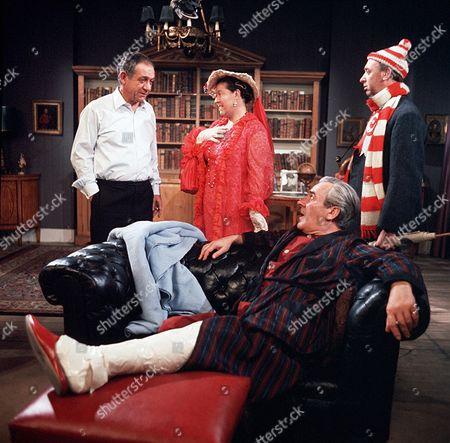 'George and the Dragon'  TV - 1966-1968 - Sid James, Peggy Mount, Keith Marsh, John Le Mesurier