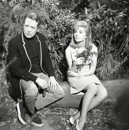 'The Prisoner'  TV [A Change of Mind]  - 1967- Patrick McGoohan, Angela Browne