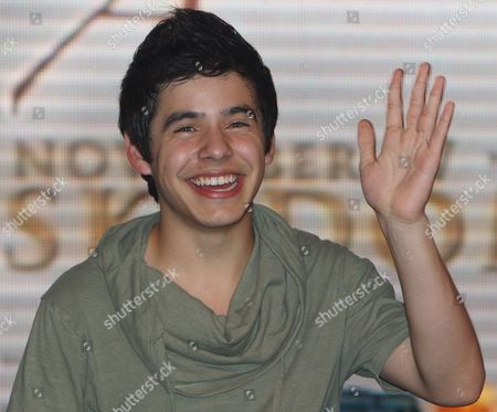 American Idol Season Seventh Finalist Us David Archuleta Waves to Fans During a Promotional Tour in Quezon City East of Manila Philippines 17 November 2010 Archuleta is Promoting His Single 'Something 'Bout Love' From His Second Album the Other Side of Down Philippines Manila